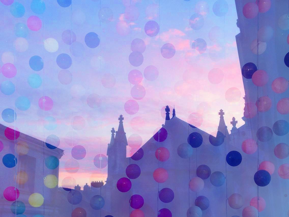 nantes-eglise-saint-croix-bouffay-ciel-guirlande-la-case-de-cousin-paul-bleu-rose-ciel-nuage-petits-bonheurs-de-sophie